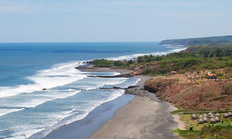 Playa Las Flores El Cuco Salvador