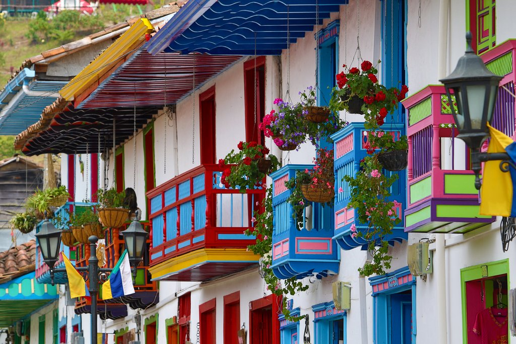 Fully customized tour packages to Colombia