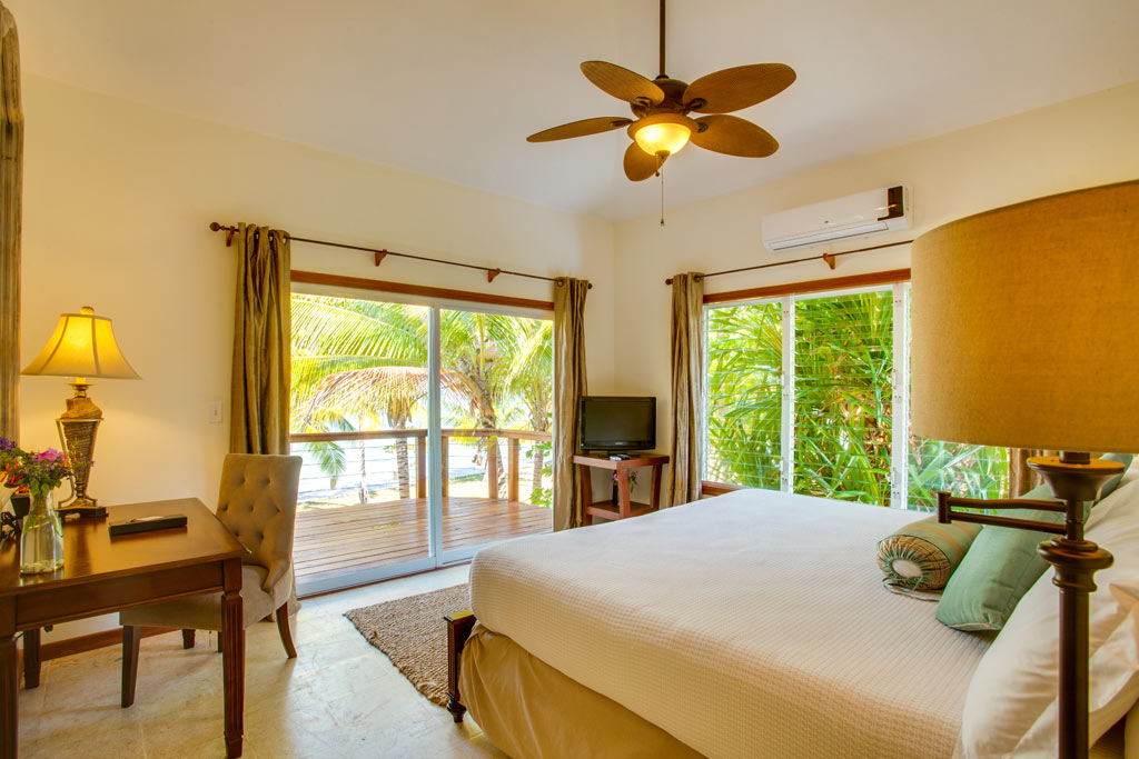 Ray Caye Resort Main House 2nd Floor Oceanview