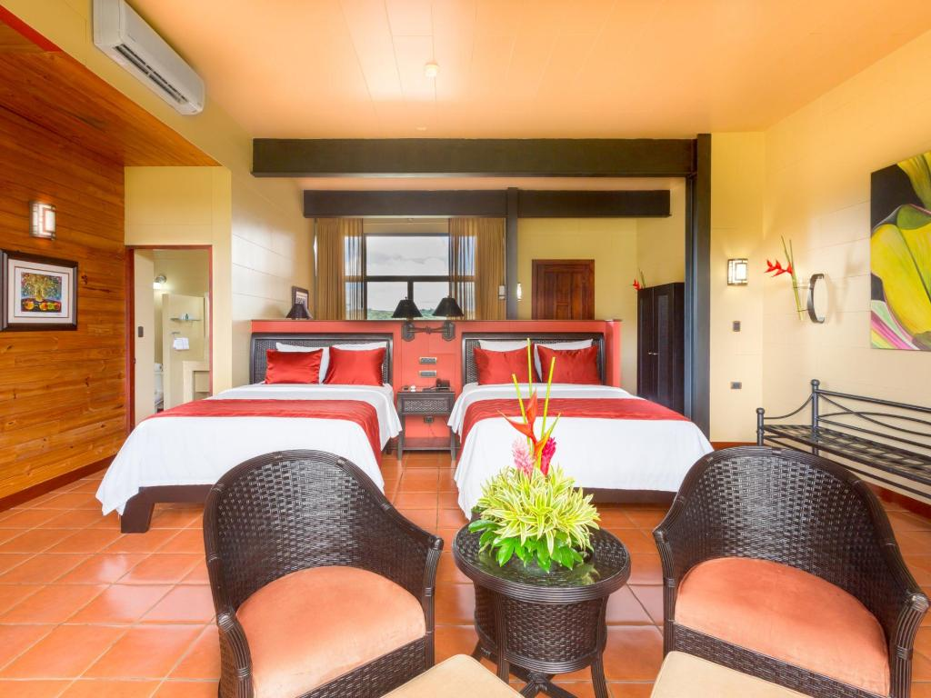 Arenal Kioro Suites and Spa Rooms