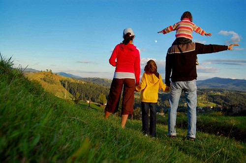 What kind of trip will bring my family closer together?